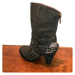 Not Rates Spiffy Boots - BRAND new size 8